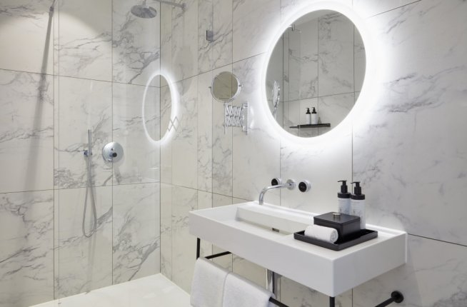 Hotel Tortue, interior, bathroom