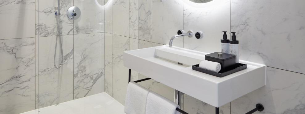 Hotel Tortue, interior, bathroom